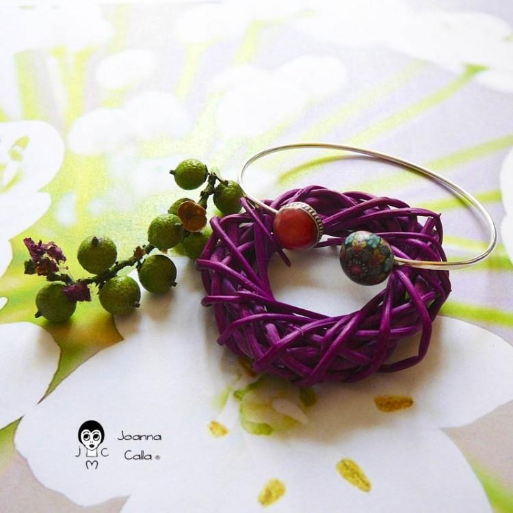 Bracelet jonc en argent réglable mandala bleu rouge en pâte polymère fait main pièce unique Joanna Calla