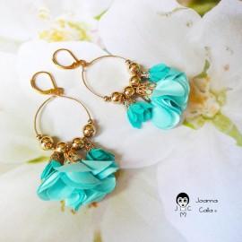 Boucles d'oreilles pendantes bohème plaqué or fleur turquoise en tissu Joanna Calla
