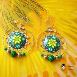 Boucles d'oreilles bohème pendantes rondes argent mandala vert jaune en pâte polymère fait main Joanna Calla