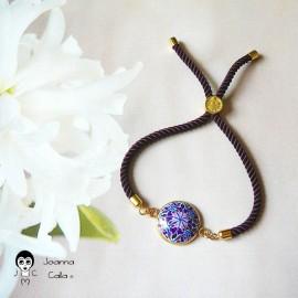 Bracelet bohème femme réglable sur cordon en nylon violet, mandala violet bleu en pâte polymère, fait main, Joanna Calla