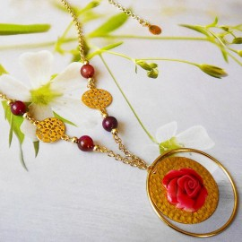 Bohemian necklace Rosa red rose