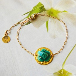 Bohemian floral bracelet in 24K gold-plated brass, green rose flower in polymer clay Joanna Calla