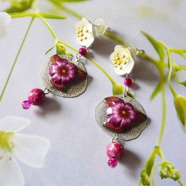 Pendant floral earrings in silver Viridiana, red flower in polymer clay, handmade Joanna Calla