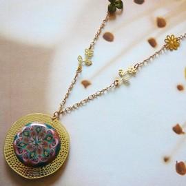 Collier bohème doré pour femme, mandala marron rose en argile polymère, fait main Joanna Calla