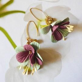 Boucles d'oreilles pendantes plaqué or Fuchsia vert bordeaux