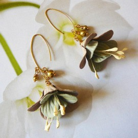 Bohemian floral pendant gold plated earrings, grey brown fuchsia flower in cloth, handmade Joanna Calla