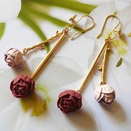 Boucles d'oreilles pendantes Holly pivoine rouge