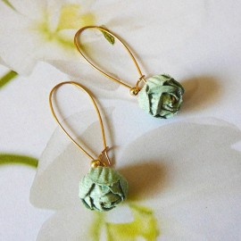 Boucles d'oreilles florales pendantes, bohème Holly plaqué or, pivoine verte en tissu, fait main Joanna Calla