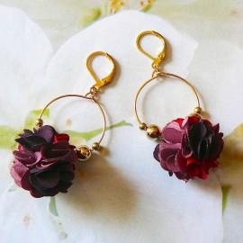 Boucles d'oreilles bohème pendantes Daisy rouge foncé