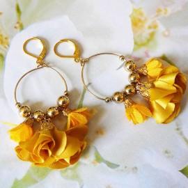 Boucles d'oreilles pendantes bohème, Daisy en laiton doré, fleur orange en tissu, fait main Joanna Calla