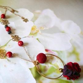 Collier sautoir bohème Flora doré rouge noir