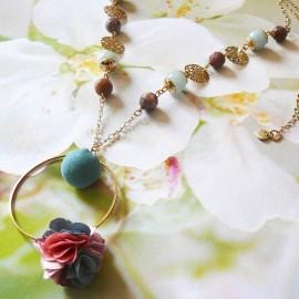 Bohemian long necklace Flora, in golden brass, pink blue flower in cloth, handmade Joanna Calla