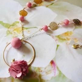 Bohemian long necklace, in golden brass, Flora, pink flower in cloth, handmade Joanna Calla