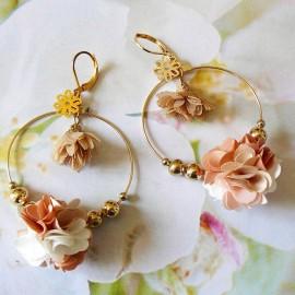 Long bohemian pendant earrings Flora, in golden brass, brown flower in cloth, handmade Joanna Calla