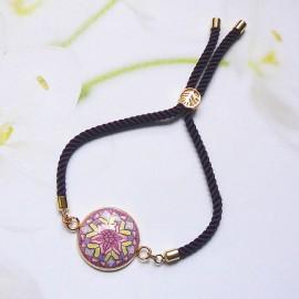 Bracelet bohème femme réglable sur cordon en nylon violet, mandala mauve en argile polymère, fait main, Joanna Calla