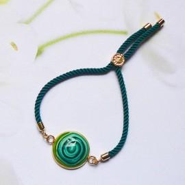 Bohemian woman bracelet, adjustable, on green nylon cord, green spiral in polymer clay, handmade, Joanna Calla