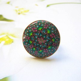 Bohemian round ring, green pink mandala in polymer clay, unique piece, handmade, Joanna Calla