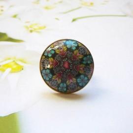 Bohemian round ring, blue red mandala in polymer clay, unique piece, handmade, Joanna Calla