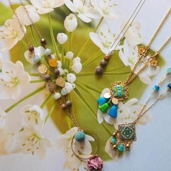 Collier nature floral bohème chic pour femmes, en laiton plaqué or, pièce unique, Joanna Calla